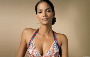 Halle Berry HD Wallpaper