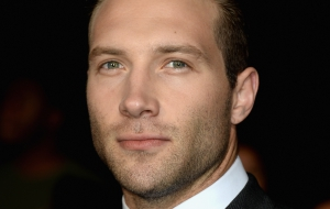 Jai Courtney full HD
