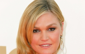 Julia Stiles For Desktop