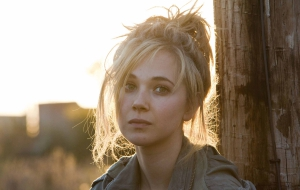 Juno Temple for desktop