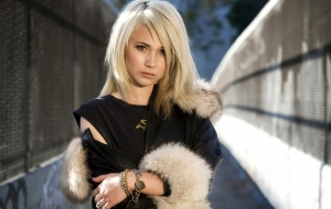Juno Temple Photos