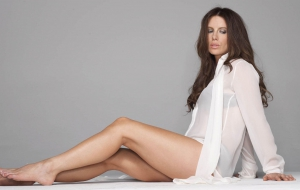 Kate Beckinsale HD Background