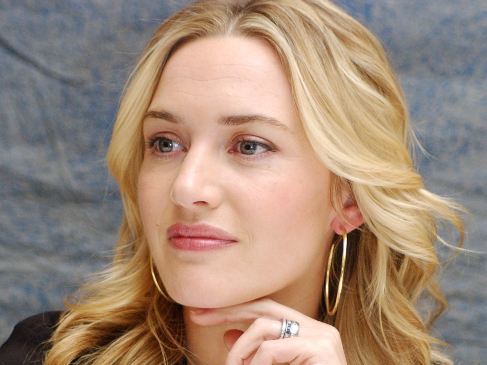 Kate Winslet Wallpapers High Resolution And Quality Download