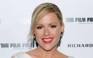 Kathleen Robertson High Definition