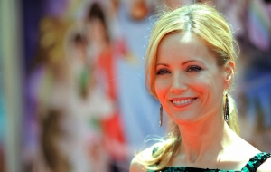 Leslie Mann HD Background