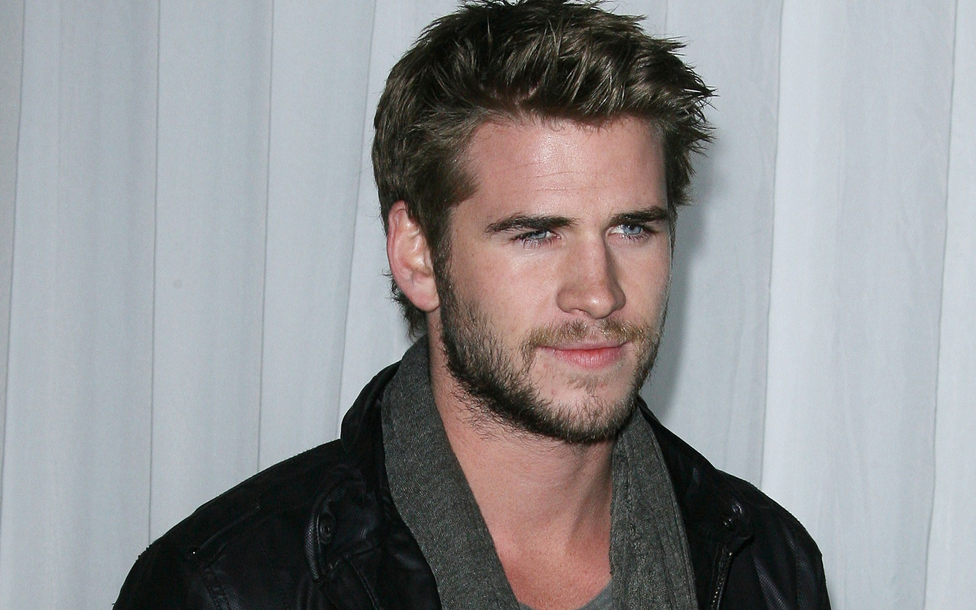 Liam Hemsworth Wallpapers High Resolution and Quality Download Liam