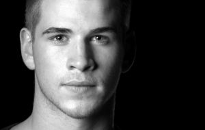 Liam Hemsworth Widescreen