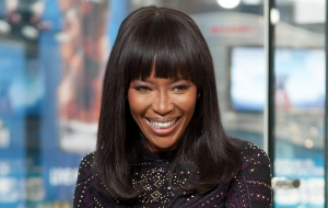"Jeff Lewis And Naomi Campbell Visit ""Extra"""