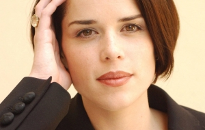 Neve Campbell High Definition