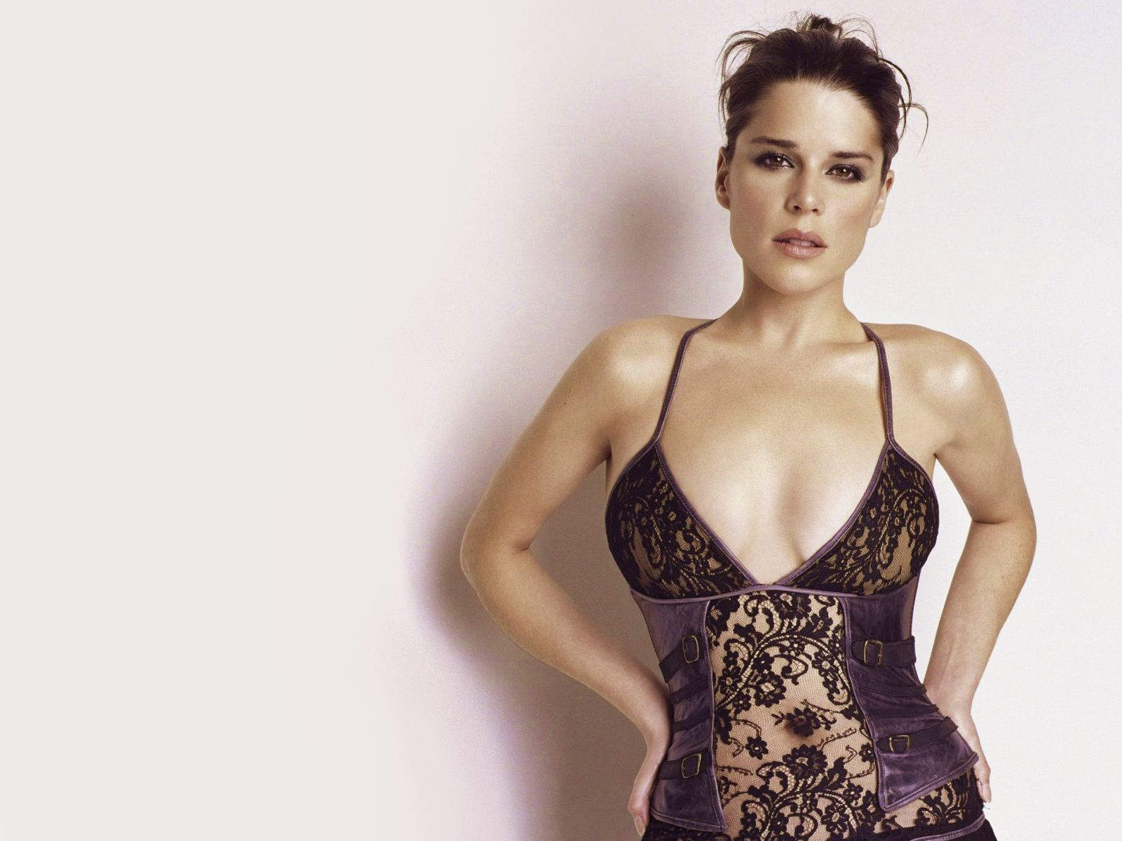 Neve Campbell Wallpapers High Resolution and Quality