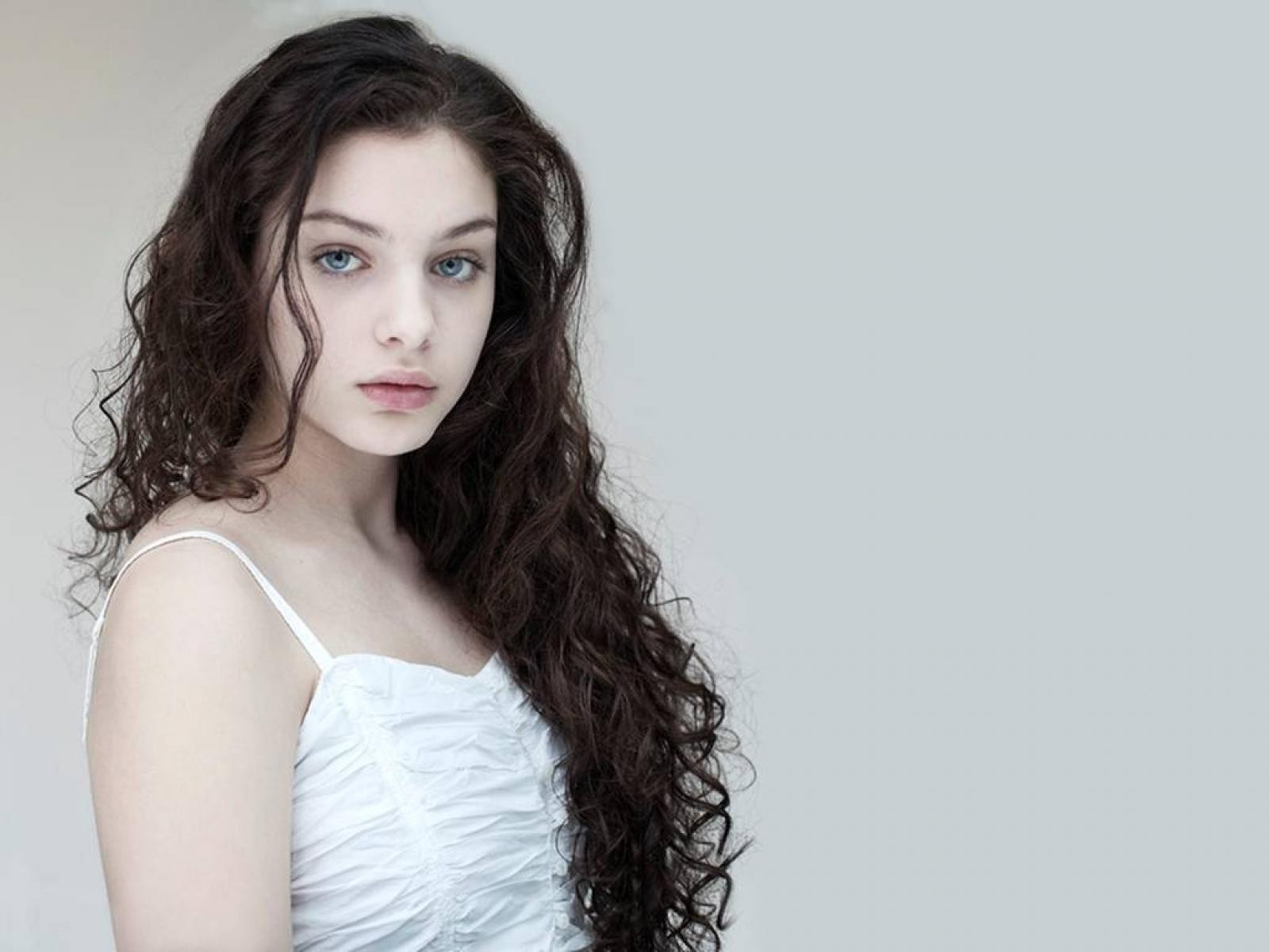 Odeya Rush Wallpapers High Resolution And Quality Download