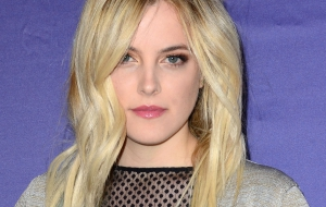 Riley Keough Wallpaper