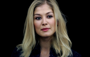 Rosamund Pike HD Wallpaper