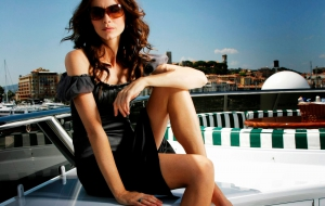 Saffron Burrows High Quality Wallpapers