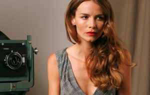 Saffron Burrows Pictures