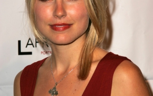 Sarah Carter Background