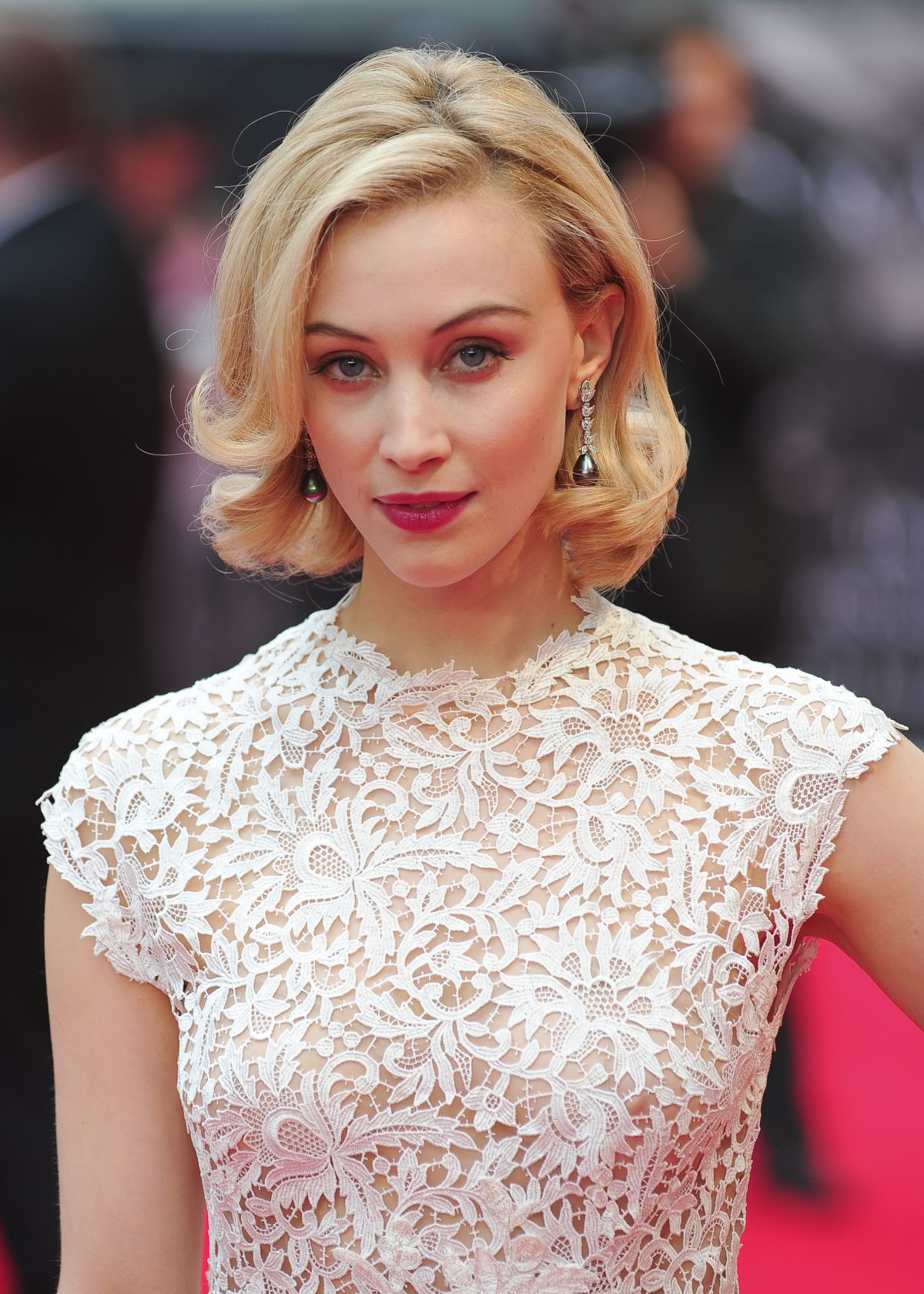 Sarah Gadon Wallpapers High Resolution and Quality Download