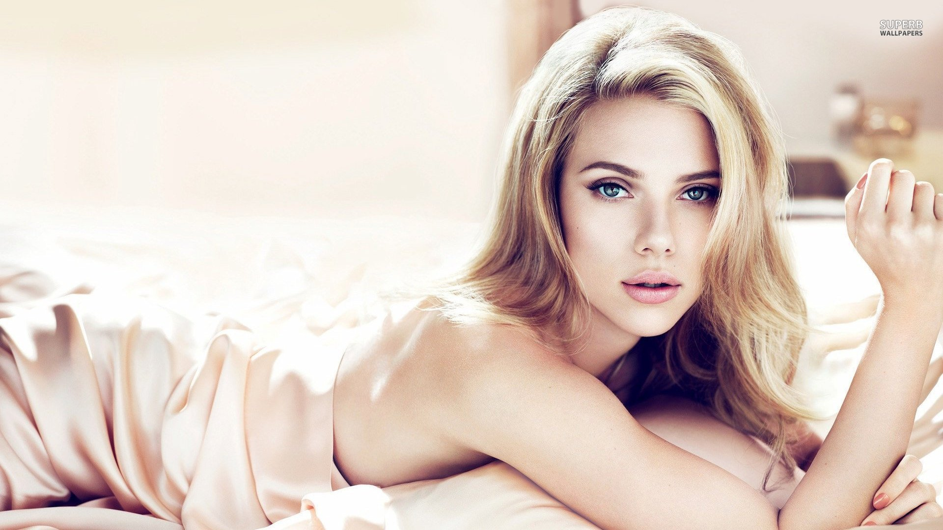 Scarlett Johansson Wallpapers High Resolution And Quality