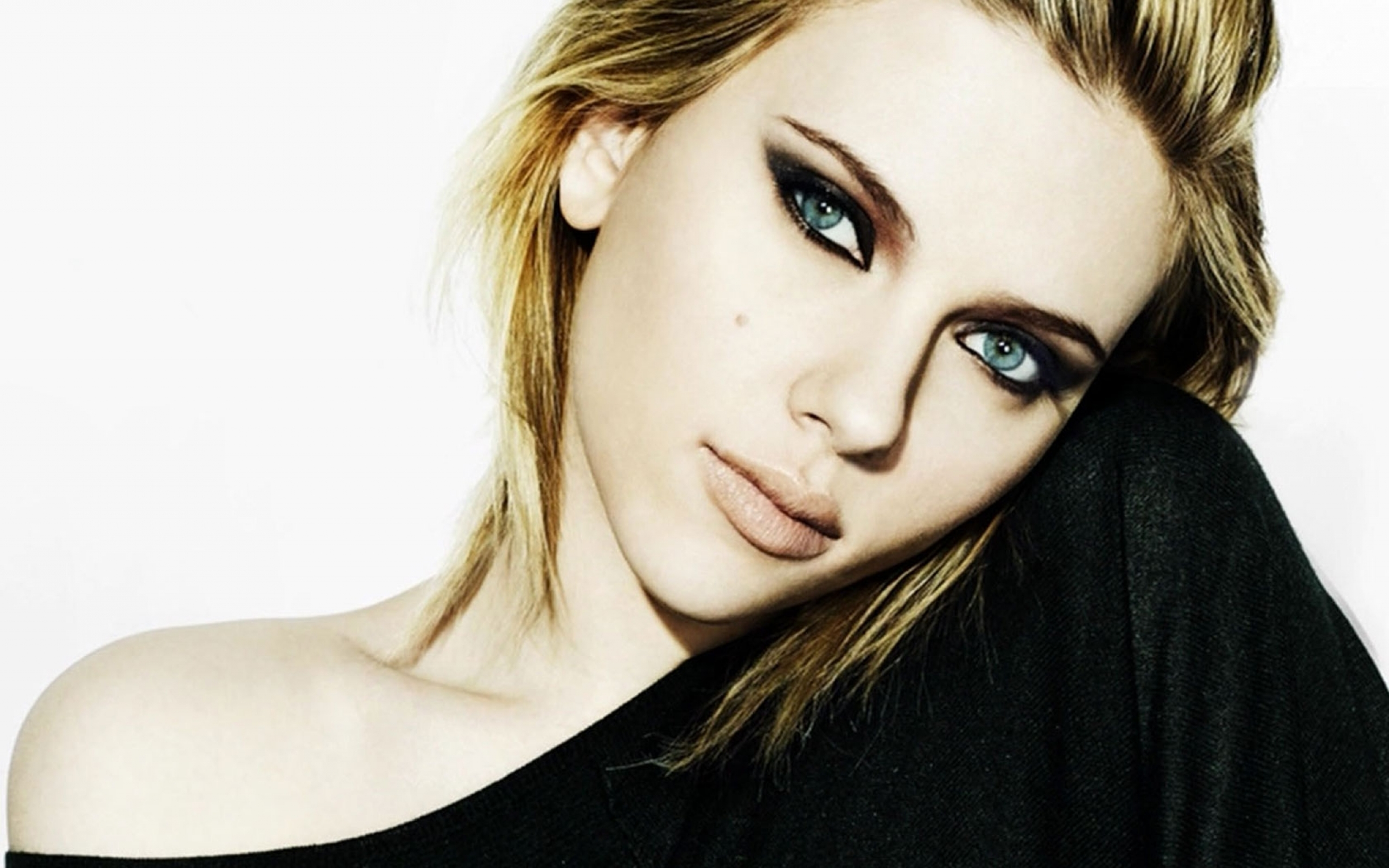 Scarlett Johansson Wallpaper: Scarlett Johansson Wallpapers High Resolution And Quality