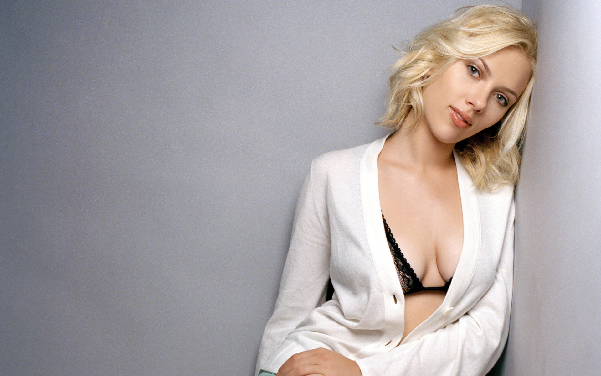 scarlett johansson wallpapers high resolution and quality download
