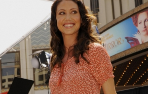 Shannon Elizabeth HD Wallpaper