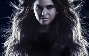 Shelley Hennig Background