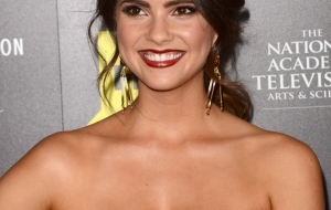 Shelley Hennig High Definition Wallpapers