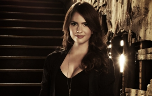Shelley Hennig Wallpapers