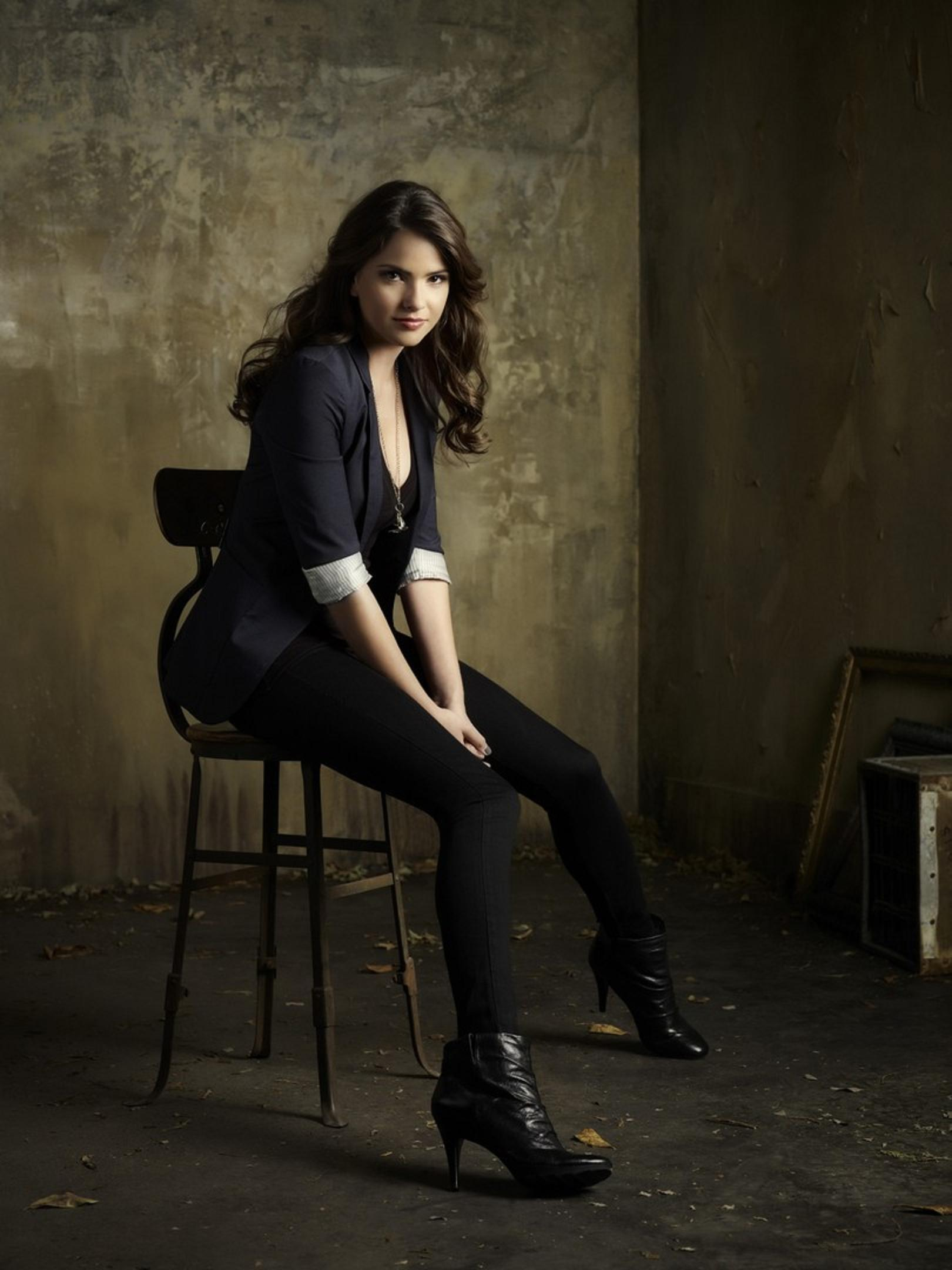 Shelley Hennig Wallpapers High Resolution And Quality Download