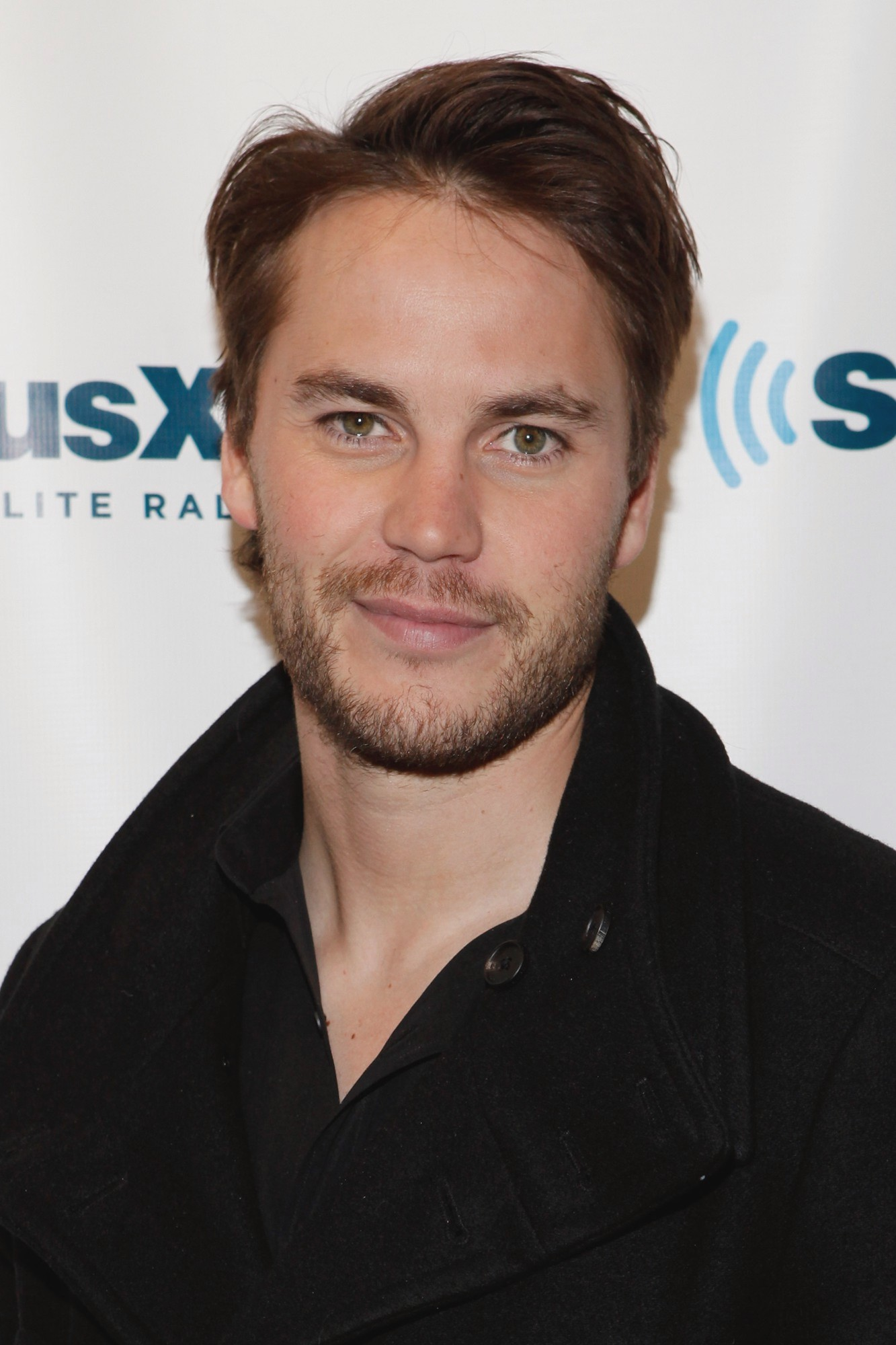 Who is taylor kitsch dating 8