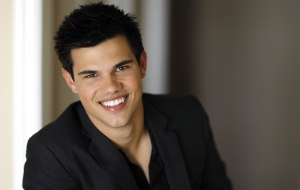 Taylor Lautner HD Background