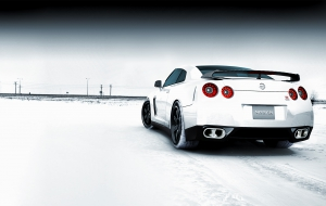 Nissan GT R Widescreen