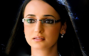 Sanaya Irani HD Background
