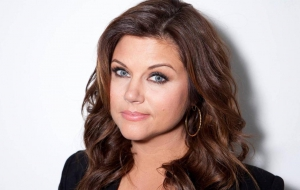 Tiffani Thiessen HD Background