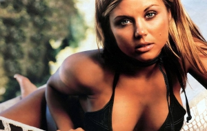 Tiffani Thiessen HD Wallpaper