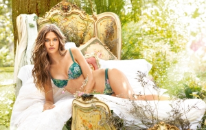 Bianca Balti High Definition