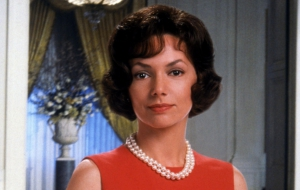 Joanne Whalley HD Wallpaper