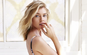 Stella Maxwell Wallpapers