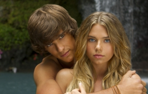 Brenton Thwaites High Definition