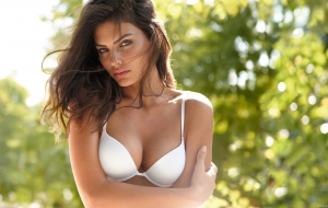 Alyssa Miller Background
