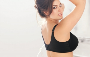 Ashley Graham Photos
