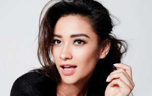 Shay Mitchell Computer Wallpaper