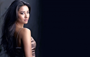Shay Mitchell High Definition
