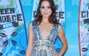 Troian Avery Bellisario High Definition Wallpapers
