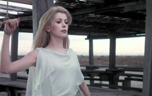 Catherine Deneuve Desktop