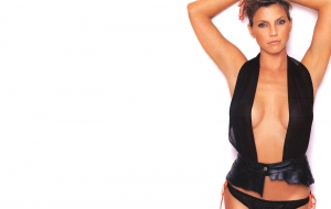 Charisma Carpenter HD Background
