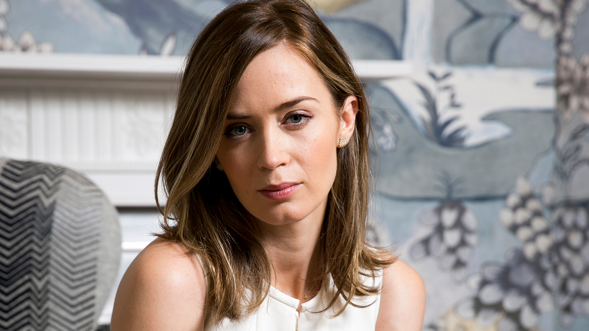 Emily Blunt HD Wallpap...
