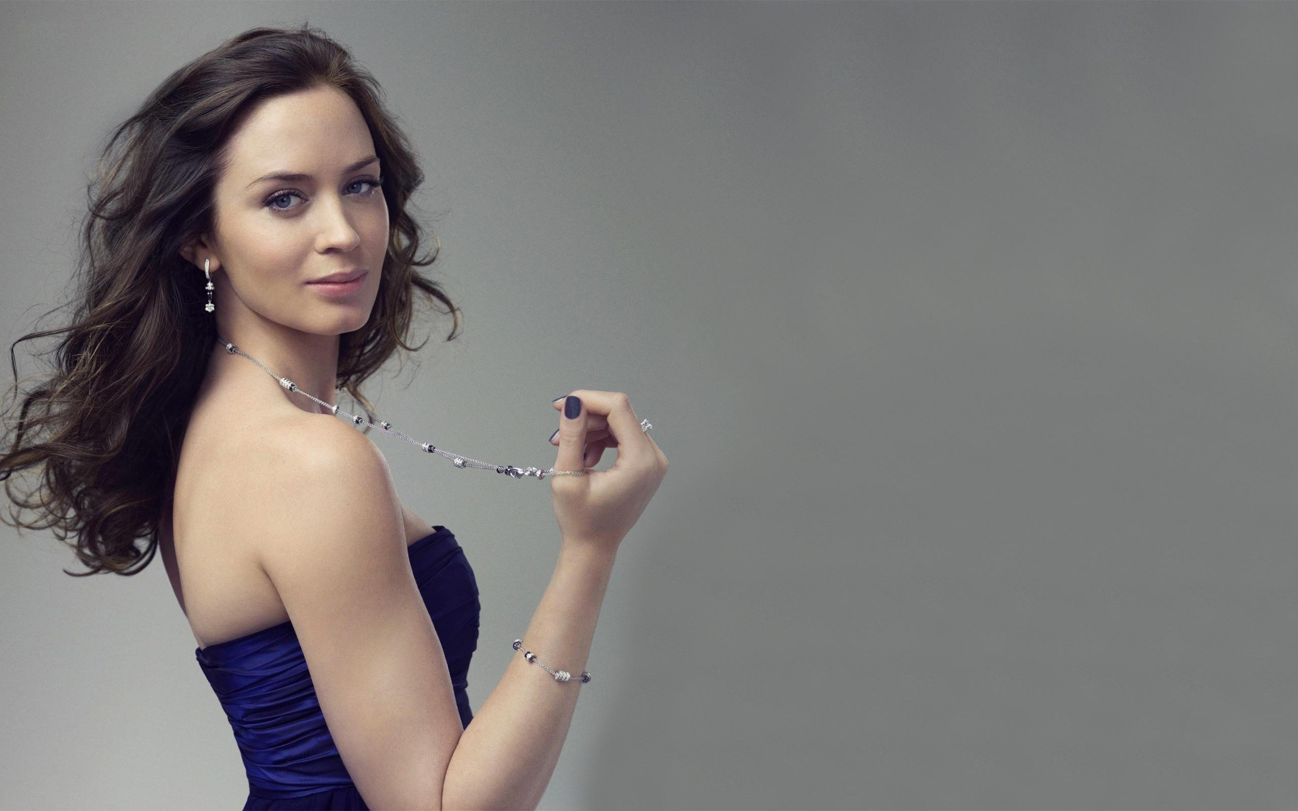 emily blunt hd wallpapers