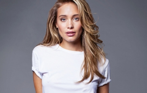 Hannah Davis HD Wallpaper
