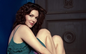 Laura Harring HD Background